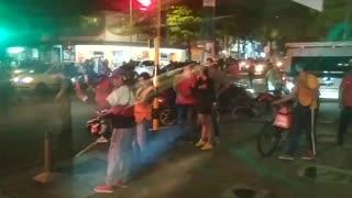 Incendiaron motocicleta de presuntos ladrones en Bucaramanga