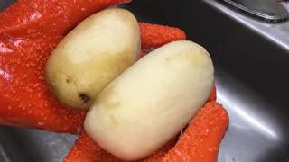 Potato Peeling Gloves Vegetable Peeler Tater MITTS Gloves Kitchen Gadget Tool 1 Pair Orange GiZ WiZ
