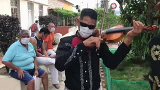 Mariachis se lanzan a las calles de Bucaramanga para buscar apoyo