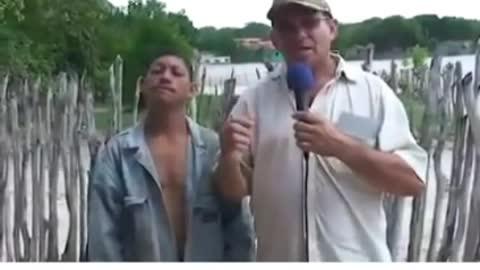 Humor Brazil - dumb man tells what he saw