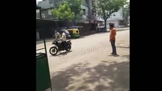 Funny Lockdown videos || Funny police videos feat. India || Lockdown
