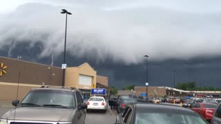 Stunning Cloud Formation Rolls In