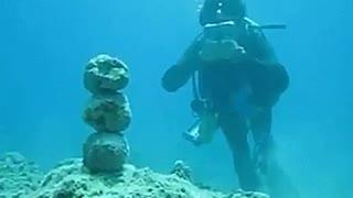 Creative underwater sport