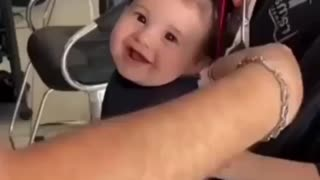 What a happy baby he is 😊😊