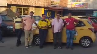 Paro de taxis y buses 1