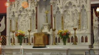 Construa um altar, em um canto tranquilo, com a bíblia
