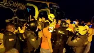 Con enfrentamientos entre transportadores y el Esmad avanza el paro de taxis y buses en Bucaramanga