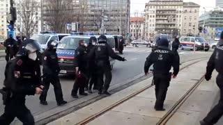 police hunting antifa in vienna