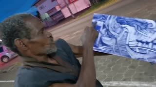 Street Artist Entertains Passerby With Amazing Paint Performance