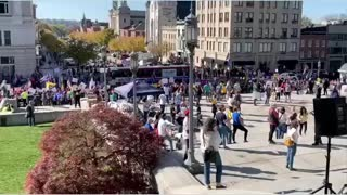 Trump supporters INVADE PA Statehouse