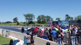 Drag Racing To The Max!