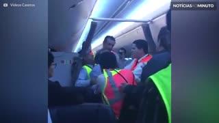 Passageiro furioso provoca pouso forçado