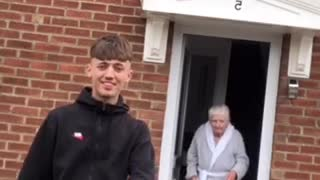 Grandson makes TikTok video with his grandma and the results are incredible