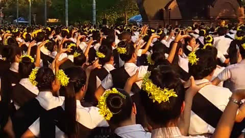 Wow! More than 35,000 people in Isaan Northeast Thai dancing