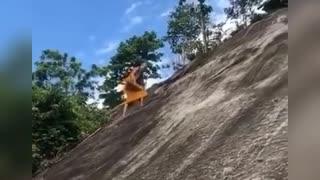 Easily climbs the mountain