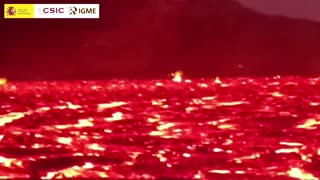 Spanish scientists take red-hot lava samples