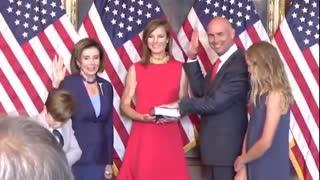 Pelosi Breaks Her Own Mask Mandate for Photo Op