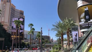 Fashion Show Mall Las Vegas Rainbow Staircase