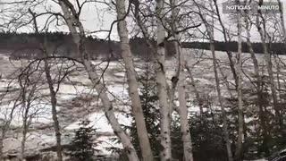 Deslizamento ártico em rio no Canadá