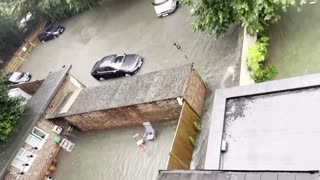 Storm brings flash floods to London