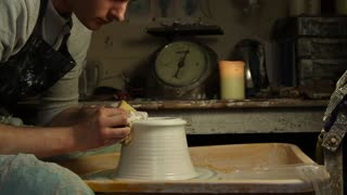Throwing a Round Bellied Vase with Flared Top