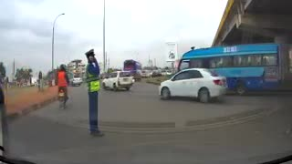 Daring thieves steal from a traffic officer