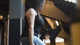 Funny Video Of Man And Woman In A Gym #4