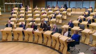 Escocia aumenta presión sobre Londres