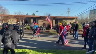 A brawl broke out today between Antifa and Trump supporters in Washington State.