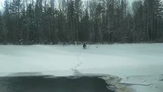Good Samaritans Braves Icy Cold Water to Save Animal