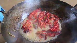 Yummy cooking crawfish recipe _ Cooking skills _ Khmer Survival Skills