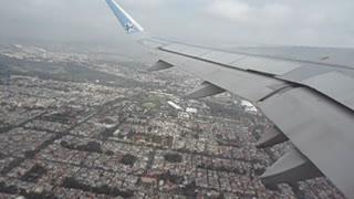Despegue desde la ciudad de México. Take off from Mexico City.