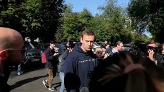 Navalni, presuntamente envenenado, lucha por su vida en un hospital siberiano