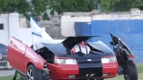 Watch this car while it TRANSFORMS