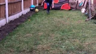Little kid reenacts Gylfi Siggurdson's amazing goal against West Ham