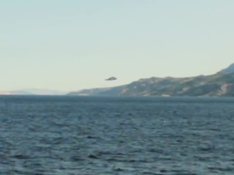 Low-flying UFO filmed over the Adriatic Sea