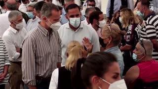 Spain's Royals meet La Palma volcano evacuees