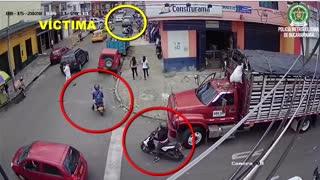 Video: alias 'Blanquita', señalada de al menos 10 fleteos en Bucaramanga, fue capturada