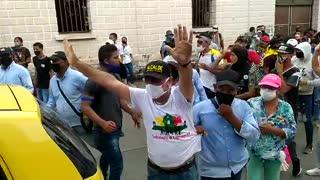 alcalde en la protesta contra la violencia policial
