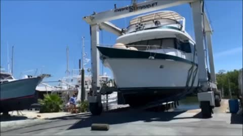 Yacht Shopping #2 - Captain Tommy Savoy