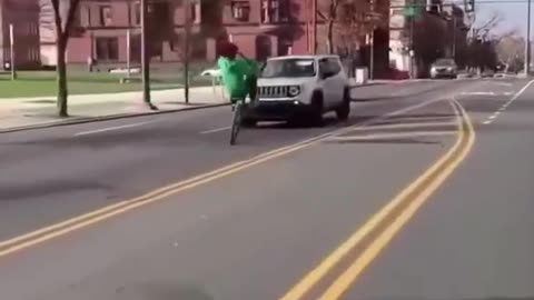 Alarming New Trend: Idiots On Bikes