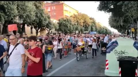 Verona 4 settembre 2021: No Green Pass in corteo