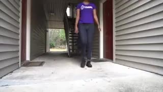 Must watch lady defend herself