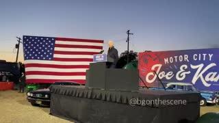 Biden's enormous teleprompter