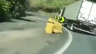 Incredible truck accident on the road