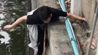 Stray Cat Rescued From River