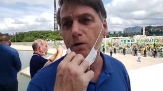 Bolsonaro: Esta manifestación de apoyo nos fortalece y honra
