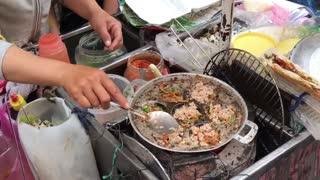 Delicious Vietnam Street Foods - Green Papaya Salad with Viet Sausage