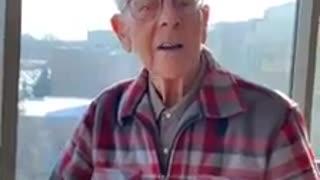 Elderly gentleman delivers heartwarming motivational speech