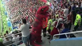 Dinosaur vs Swiss Fan